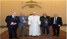 Đức Phanxicô tiếp các chủ nhân giải Nobel Hòa bình năm 2015