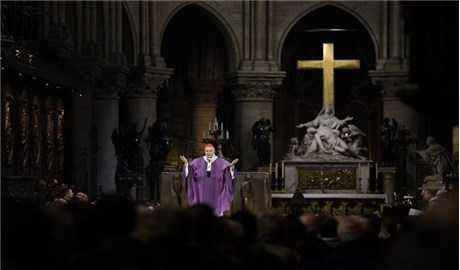 Thánh lễ tưởng niệm các nạn nhân tại nhà thờ Đức Bà Paris