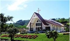 Ngôi nhà thờ đầu tiên và hành trình 60 năm truyền giáo trên miền Khánh Vĩnh