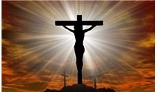 Linh mục nâng tâm hồn lên với Chúa
