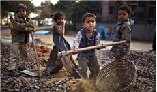 Thức tỉnh trước nạn nô lệ và buôn người