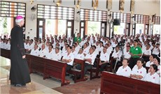 Caritas Xuân Lộc mừng quan thầy