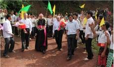 Đức TGM Leopoldo Girelli thăm mục vụ Sơn La và Điện Biên