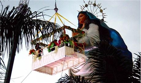 Indonesia : Tượng Đức Mẹ cao nhất thế giới