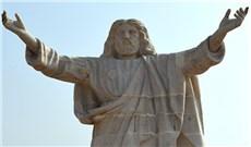 Tượng Chúa Giêsu khổng lồ tại Nigeria
