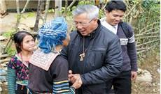 Đức cha Anphong Nguyễn Hữu Long - Niềm vui phục vụ