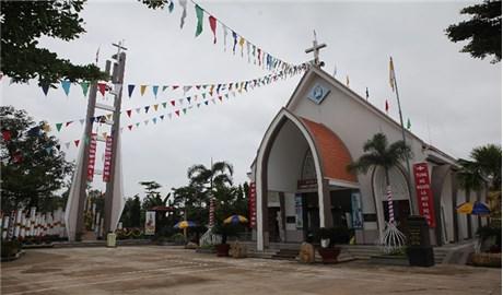 Giáo họ Hiếu Liêm thuộc giáo hạt Phú Thịnhnâng lên thành giáo xứ
