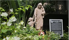 Giáo xứ được Mẹ Têrêsa  đến thăm hai lần