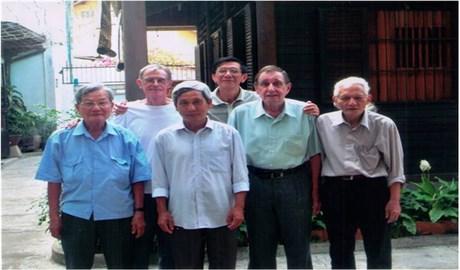 Những Tiểu Đệ nặng tình cùng đất Việt