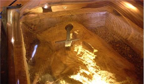 """Chiếc gươm đích thực """"cắm trong đá"""" ở San Galgano"""