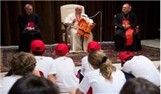 Tiếp đón 400 trẻ em vùng Calabria đến Thăm Tòa Thánh