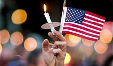 Cầu nguyện cho các nạn nhân của vụ thảm sát tại Orlando