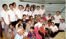 ĐTGM Leopoldo Girelli thăm người nghèo tại TPHCM
