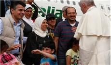 Vatican tiếp nhận thêm 9 người tị nạn Syria