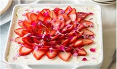 Tiramisu dâu,  món bánh dậy hương
