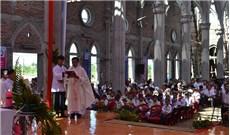 ĐGM GP Phát Diệm Giuse Nguyễn Năng chủ sự thánh lễ thành lập giáo xứ Kim Đông