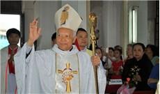 Đức TGM Phêrô Nguyễn Văn Tốt, Sứ thần Tòa Thánh tại Sri LanKa đã về thăm quê hương
