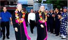 Đức TGM Leopoldo Girelli thăm mục vụ GP Đà Nẵng