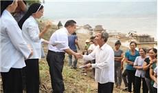 Caritas Thanh Hóa đã đến thăm gia đình bị thiệt hại do ảnh hưởng của đợt mưa lũ
