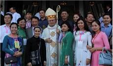 Thánh lễ nhậm chức Của Đức Tân TGM TGP Huế Giuse Nguyễn Chí Linh