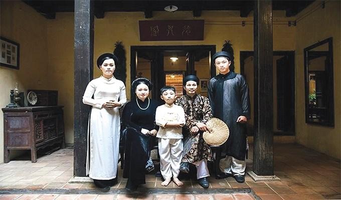 Năm gia đình đôi dòng suy nghĩ