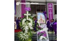 Lễ an táng Đức cố Giám mục Phanxicô Xaviê Nguyễn Văn Sang: NGHI THỨC HẠ HUYỆT
