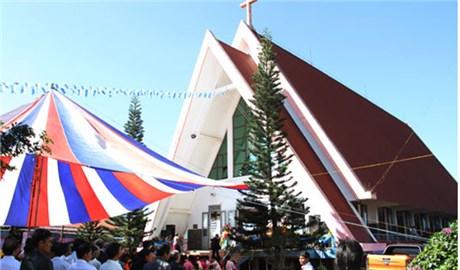 Giáo phận Ðà Lạt có thêm hai giáo xứ