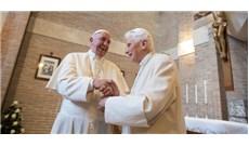 Đức Phanxicô thăm Đức Bênêđictô XVI nhân lễ Giáng Sinh