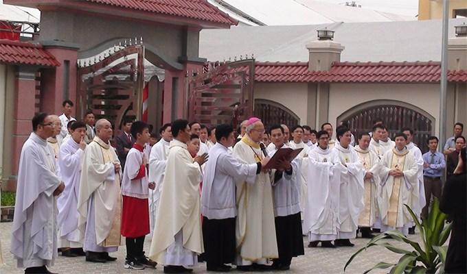 Giáo họ Tân Phương lên hàng giáo xứ