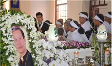 Viếng Đức cố Giám mục Giuse Vũ Duy Thống