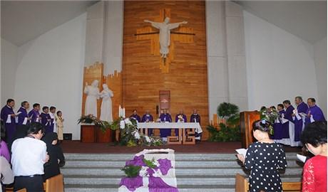 Tưởng niệm Ðức cố Giám mục Giuse Vũ Duy Thống