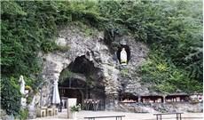 Những câu chuyện xung quanh hang Massabielle - Lộ Đức (42)