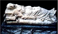 """Khăn liệm của Chúa Kitô: Bí mật về """"Phiến đá hoa cương trong suốt"""""""