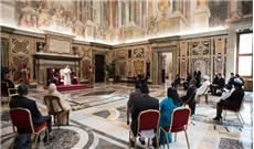 Đức Thánh Cha tiếp kiến 6 tân đại sứ cạnh Tòa Thánh