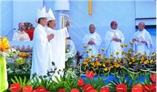 Hình ảnh lễ tấn phong Giám mục:  Đức cha Gioan Đỗ Văn Ngân
