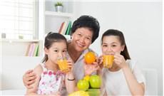 Uống nước ép  hay ăn trái cây?