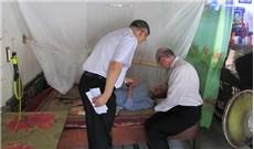 Đức TGM Leopoldo Girelli thăm các bệnh nhân