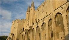 Tại sao các Giáo hoàng từng cư ngụ tại Avignon?