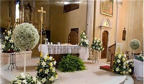Trang hoàng  cho bàn thờ