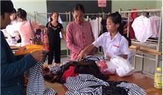 Hội chợ trang phục ở xứ đạo nghèo