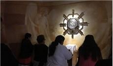 Cử điệu khi lãnh nhận phép lành Mình Thánh (P2)