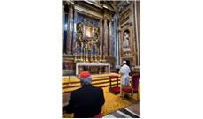 Đức Giáo hoàng cầu nguyện sau chuyến tông du