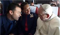 Ðức Giáo Hoàng chứng hôn trên máy bay