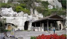 Cuộc hành trình xuyên lòng đất đến nhà thờ Thánh Gioan