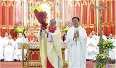 Những bước chân đầu tiên của  Ðức tân Tổng Giám mục