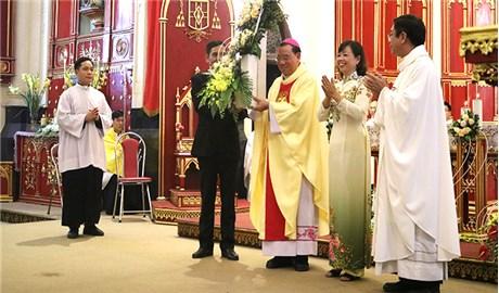ĐỨC TỔNG GIUSE VŨ VĂN THIÊN DÂNG LỄ TẠ ƠN KẾT THÚC SỨ VỤ CHỦ CHĂN GIÁO PHẬN HẢI PHÒNG