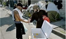 Sứ mệnh mang lời cầu nguyện và thực phẩm đến khu vô gia cư