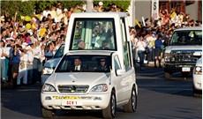 Cận cảnh xe của  Ðức Giáo Hoàng