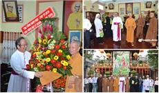Đức Tổng Giám mục Phaolô Bùi Văn Đọc chúc mừng nhân lễ Phật Đản