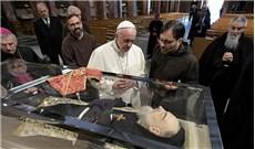 Ðức Giáo Hoàng Phanxicô viếng cha thánh Piô Năm Dấu